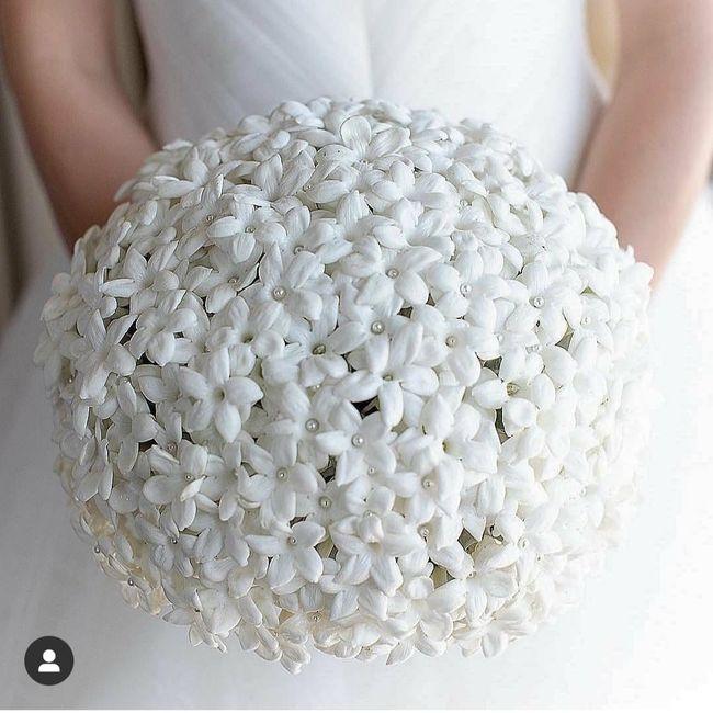 Bataille des mariées - 2 bouquets blancs 1