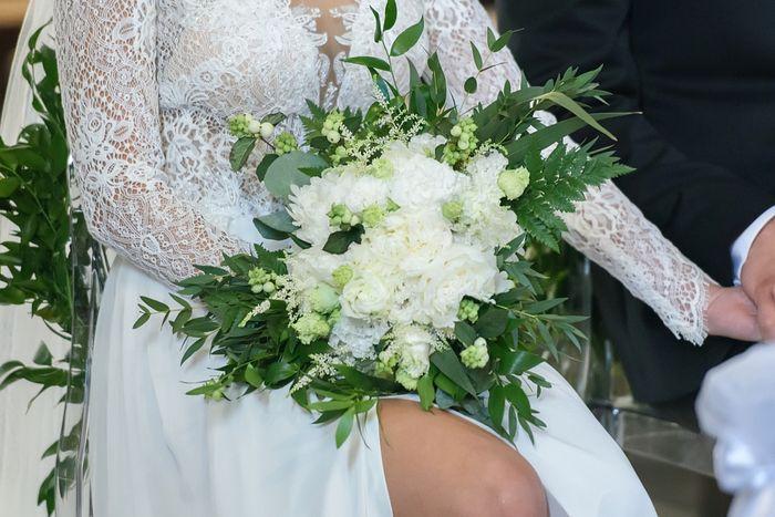 Bataille des mariées - 2 bouquets blancs 2