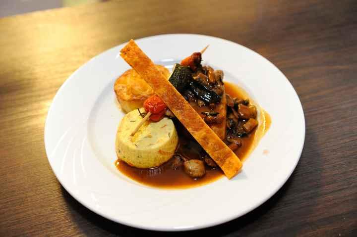 veau sauce pinot rouge, daube de legumes et gratin d'auphinois !