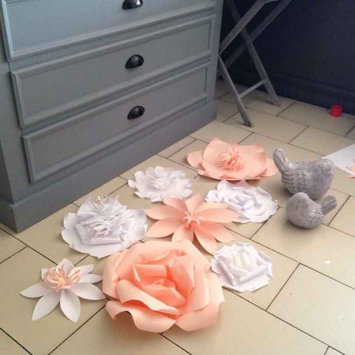 Essai fleur en papier géante diy - 1