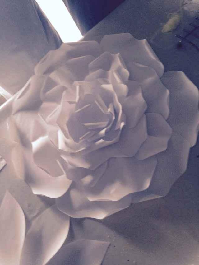 Essai fleur en papier géante diy - 2