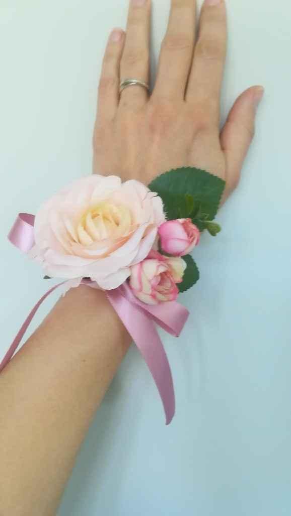 Où trouver des jolis bracelets fleurs pour les témoins? - 1