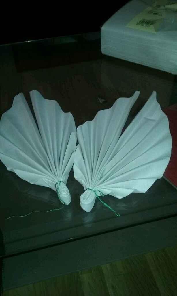 Serviette de table en forme de feuilles - 1