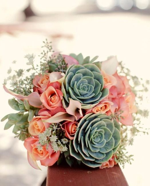 Bouquet avec des plantes succulentes bien résistantes, tout comme l'amour doit l'être