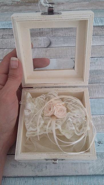La fausse jarretière de la mariée