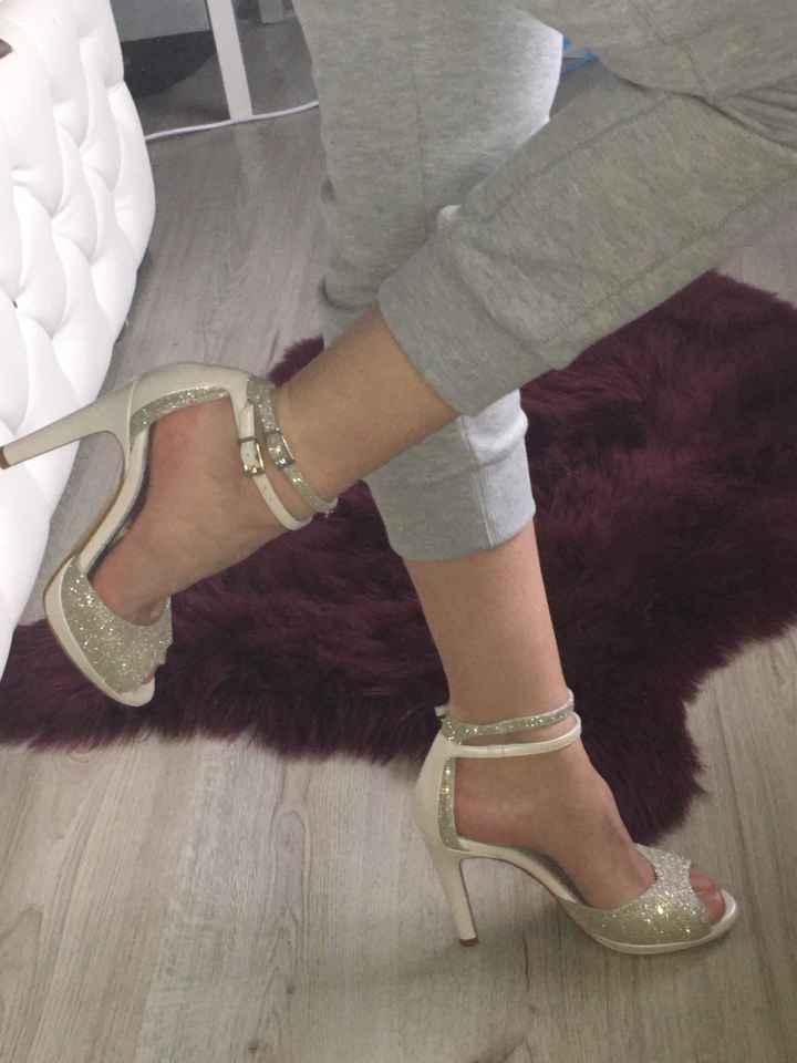 Recherche chaussures désespérément - 1