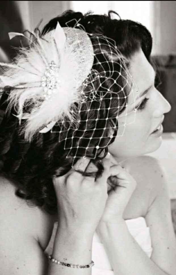 Thème année 50 j'ai une robe sirène à votre avis accessoire et quoi comme coiffure et bouquet - 2