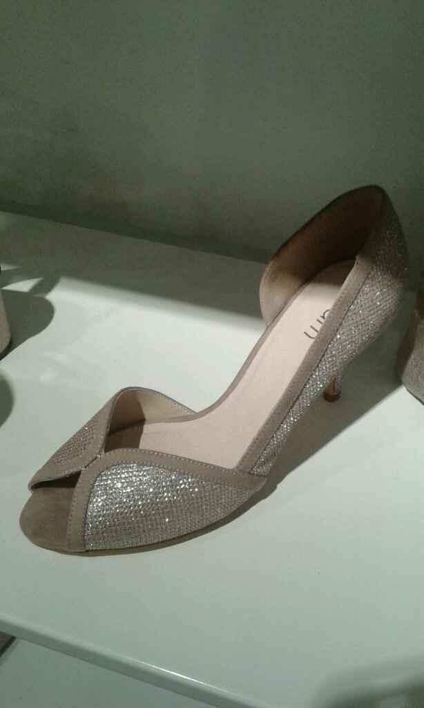 Chaussures de couleur pour le jour j? - 1