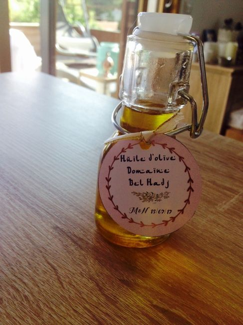 Cadeaux invités : fiole dh'uile d'olive domaine familial