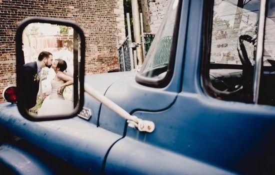 """photo de mariage""""bisou voiture"""""""