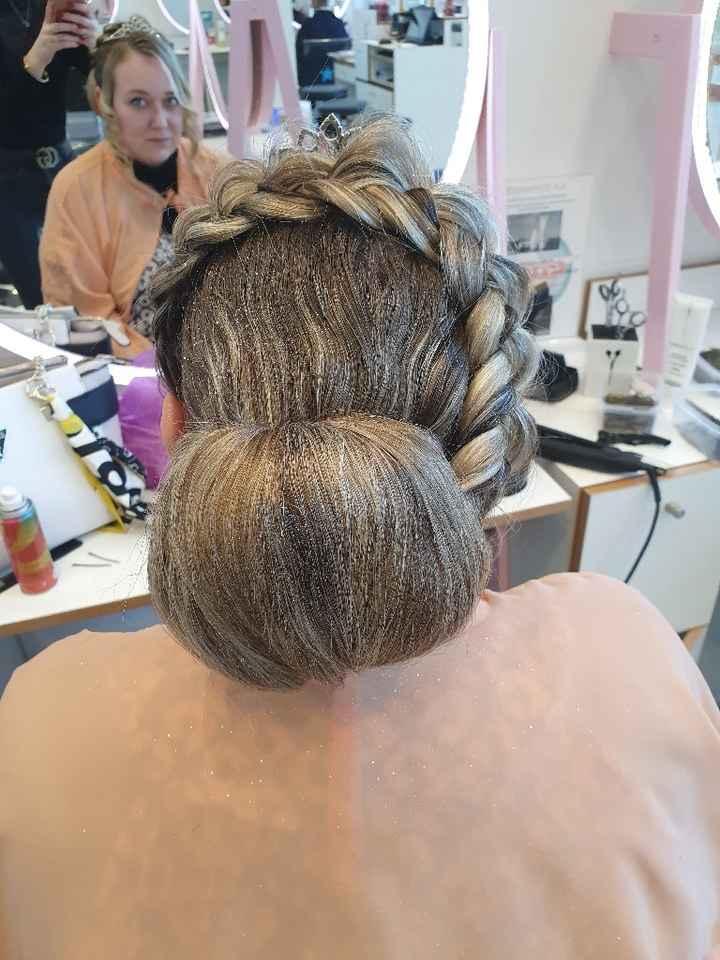 Mettre un bijoux dzns les cheveux apres le voile - 1