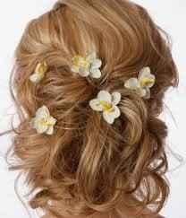 coiffure fleur exotique