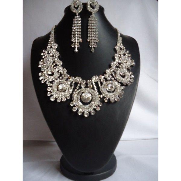 parure bijoux strass