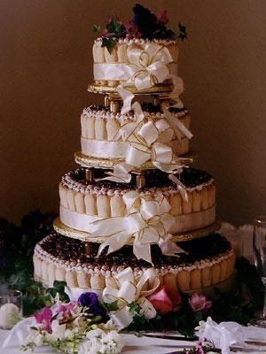 WEDDING CAKE TIRAMISU