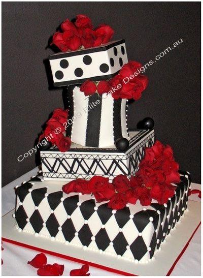 wedding cacke thème cabaret