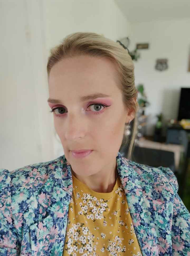 Essai maquillage et chignon suivis de ma robe - 6