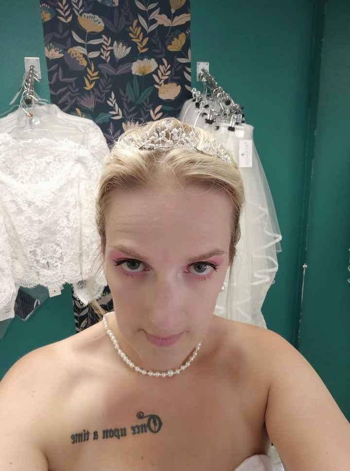 Essai maquillage et chignon suivis de ma robe - 10