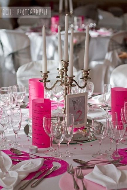 Idee deco rose et gris d coration forum - Decoration table mariage fushia ...