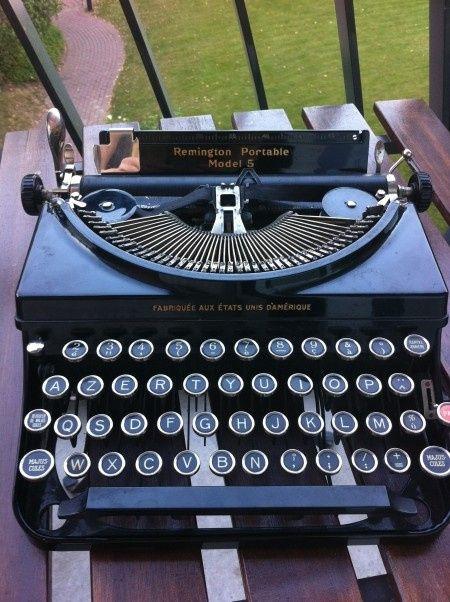 Machine a écrire vintage