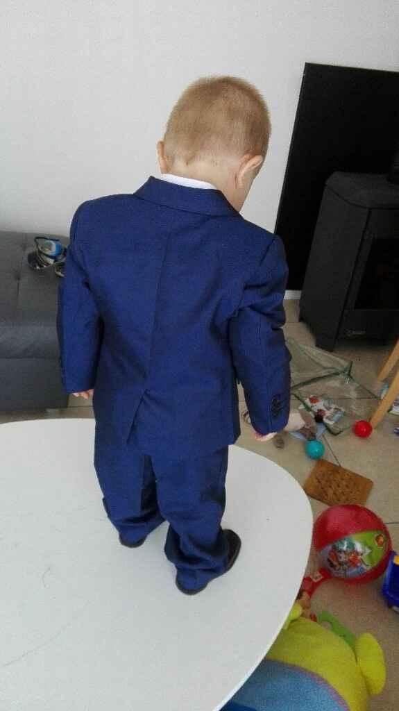 Mon petit prince dans son costume !!!! - 1