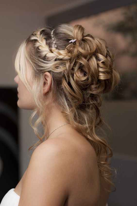 Coiffure cheveux frisés - 1