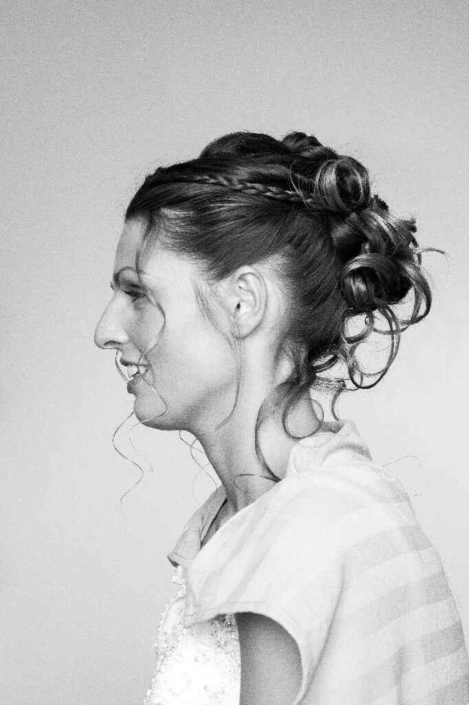 Conseils coiffure qui tient cheveux mi longs - 1