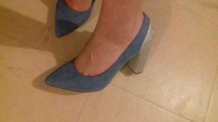 Chaussures. - 1