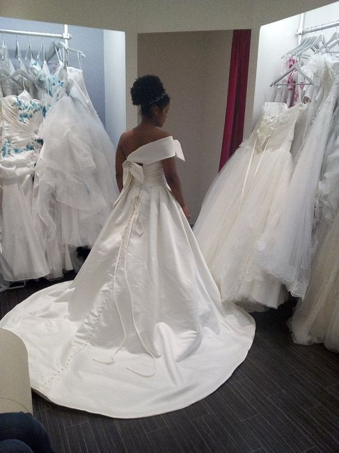 Personne de petite taille, choisir sa robe 3