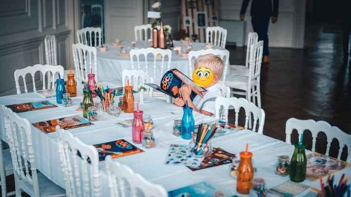 La table des enfants qui se trouvait au fond de la première salle