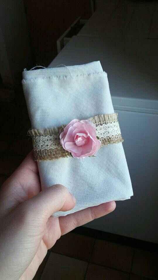 Rond de serviette et suspension florale - 1