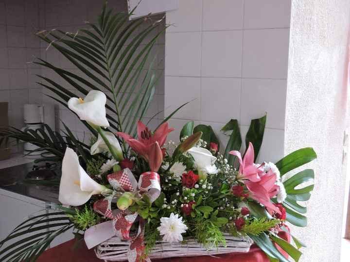 fleurs sur buffet