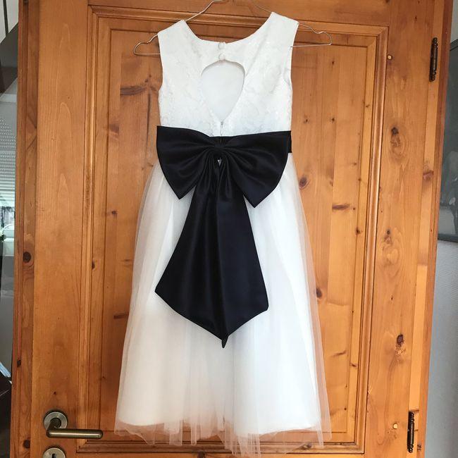 Je vends les robes de mes filles d honneur - 1