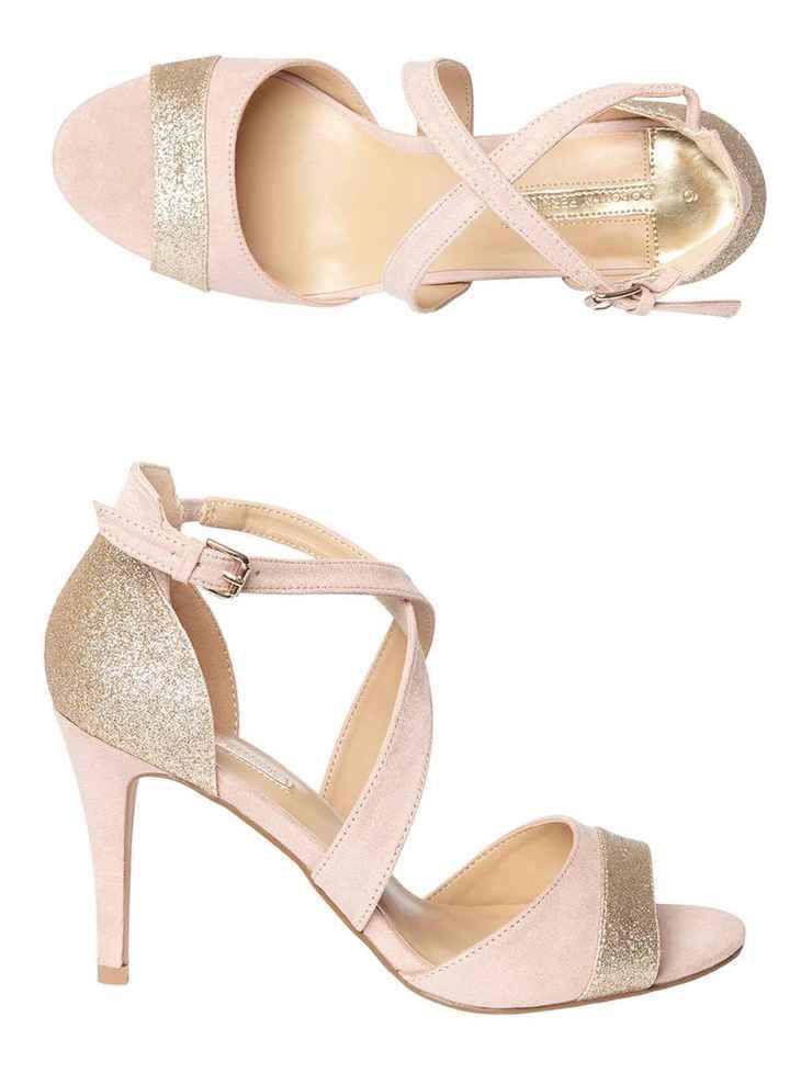 La paire de chaussure - 1