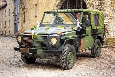 Mariage theme militaire voiture - Photo Décoration