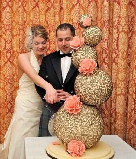 gravity cake 1