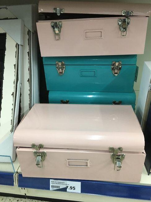Trouvailles du jour (action) petite valise en métal 2
