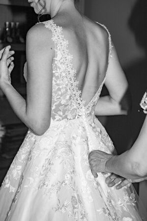 Tu en penses quoi du dos de cette robe de mariée ? 2