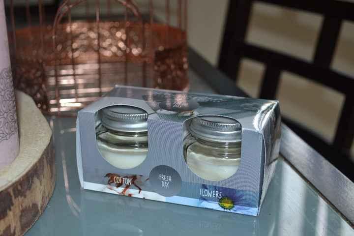 Les bougies qui seront personnalisées et offertes aux invitées féminines :)