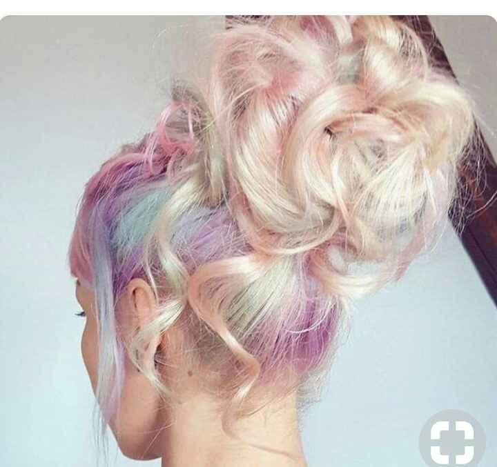 Voici quelques coiffures de mariées aux cheveux colorés - 25
