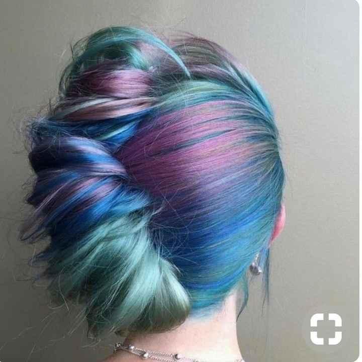Voici quelques coiffures de mariées aux cheveux colorés - 26