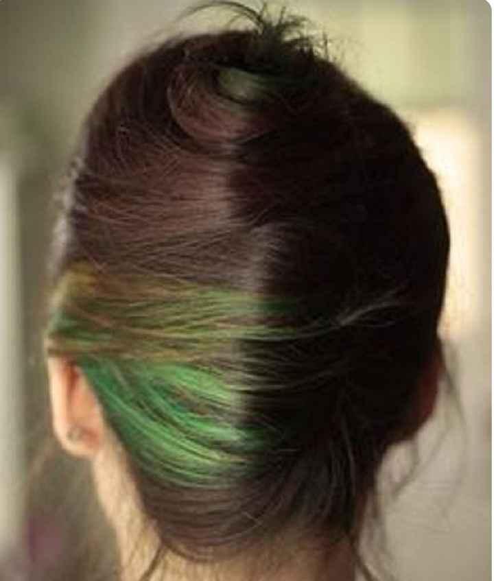 Voici quelques coiffures de mariées aux cheveux colorés - 29