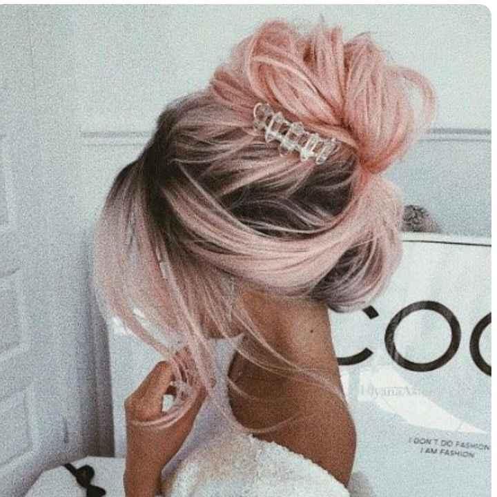 Voici quelques coiffures de mariées aux cheveux colorés - 1