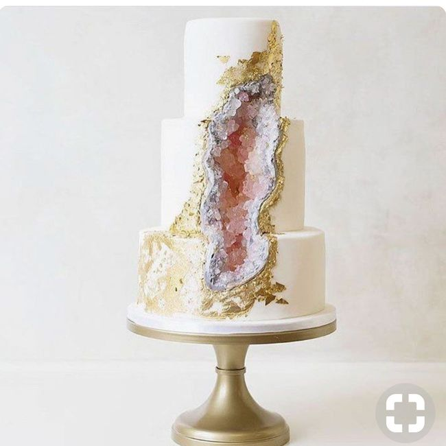 white wedding cake photos g 226 teau geode banquets forum mariages net 27360
