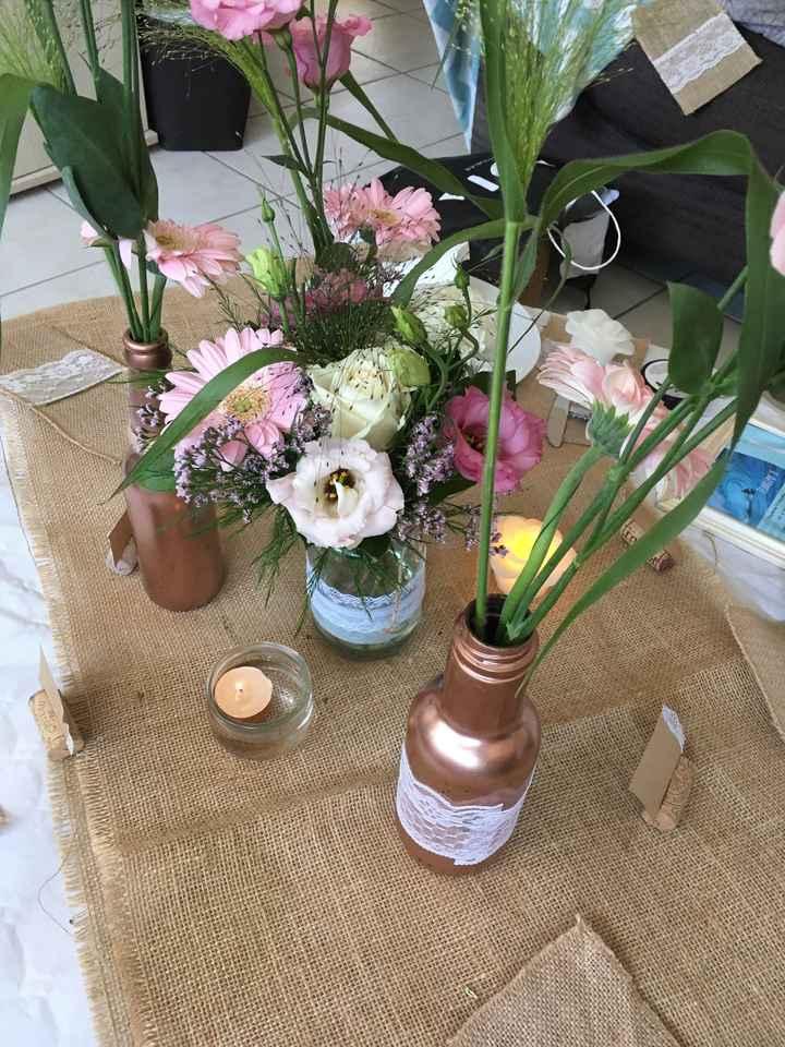Nouvel essai table avec fleurs - 2