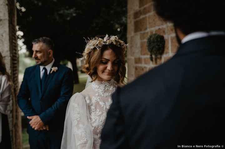 Top ou Flop : La couronne de fleurs pour la mariée - 1