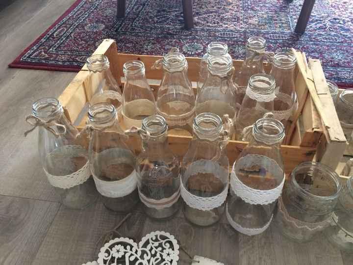 14 Bouteilles vintages fait maison avec différentes dentelles beiges et blanches