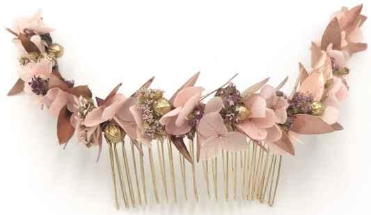 Mon joli peigne à fleur à la place du peigne à perles =)
