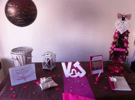 """Notre décoration de table """"urne livre d'or"""" fuschia/chocolat"""