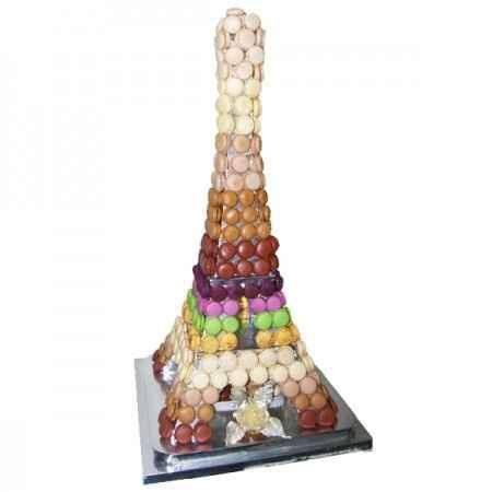 Pièces montées Tour Eiffel en macarons