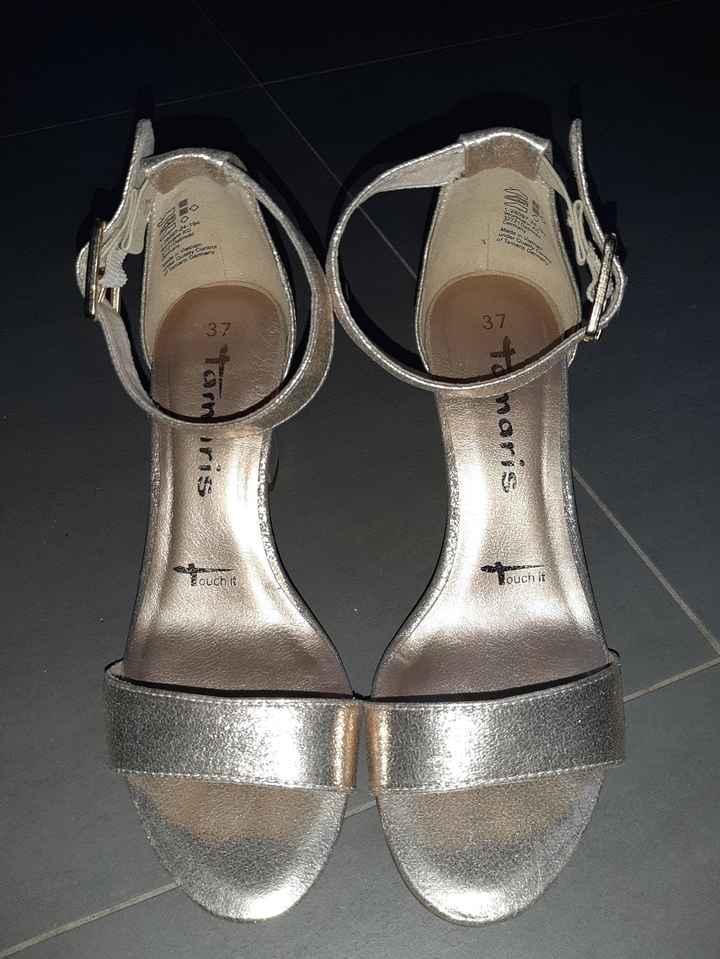 Il y a du changement au niveau des chaussures... - 1